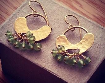 Gold Peridot Earrings, Gold Peridot Hoops, Gold Peridot Jewelry, Gold Green Jewelry, Peridot Earrings, Gold Peridot Jewelry, Peridot Hoops