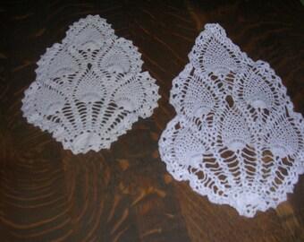 """Two White Pineapple Pattern Dollies 7"""" X 10"""" & 8"""" X 15""""  - D5536"""