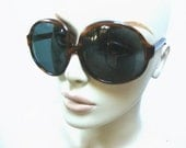 Huge Vintage 70s/80s Bug Eye Owl Eye Sunglasses