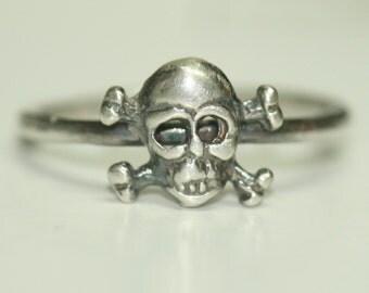 Skull n Cross Bones Rings, Pinky Ring , Sterling Silver Ring , US Size 3.5 Ring, Skull Ring, Oxidized Ring, Bones RIng Maggie McMane Designs