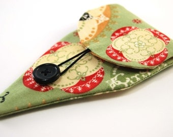 Scissors Case, Holder for Embroidery Scissors, Needlecraft Accessories, green red black scroll