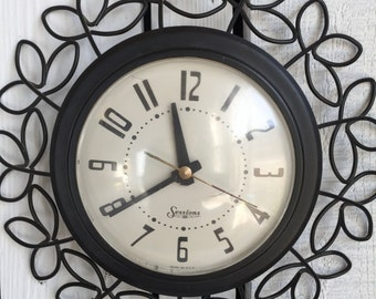 Vintage Sessions Wall Clock - Wrought Iron Daisy Floral - Electric