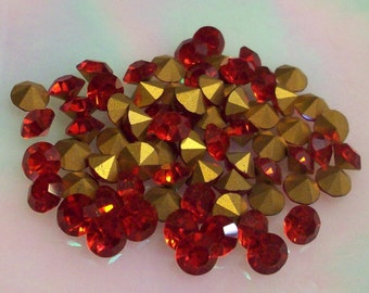 36 ss20 Light Siam Ruby Vintage Preciosa Chatons 4.6mm Rhinestones Light Siam Ruby ss20 Red Crystals Red Demi Fins
