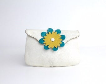 Vintage Flower Power Clutch Bag | Mod 60s Leather Envelope Clutch | Grained Leather Bag