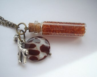 Giraffe Mother of Pearl Amber Beads Necklace Antique Gold