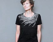 SALE - Size Large - Womens Vintage Black T shirt - Peacock shirt for Women - Silver Metallic Feather Screen Print