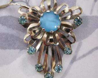 vintage prong set rhinestone gold tone flower necklace - j5650