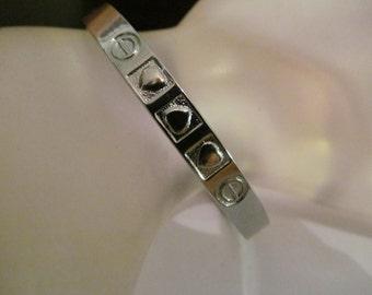 heart hinged bracelet