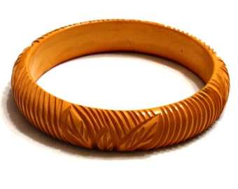 Vintage Bakelite Bangle Bracelet Butterscotch Carved with Leaves 1930s 40s