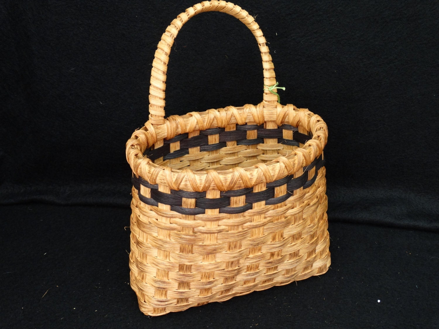 How To Hand Weave A Basket : Hand woven basket in traditional style with handle back
