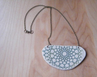 Large white statement necklace with Jade lace imprint
