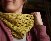 Crochet Cowl Pattern - Clementine Cowl