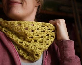 Crochet Cowl Pattern - Clementine Cowl