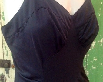 50s ARISTOCRAFT FITTED Full SLIP Embroidered Scallops Black Bust 36