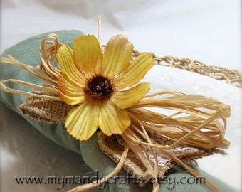 Napkin Rings - Spring Sunshine Yellow Cosmo - Wedding Decoration - Wedding Showers - Easter - Daisy