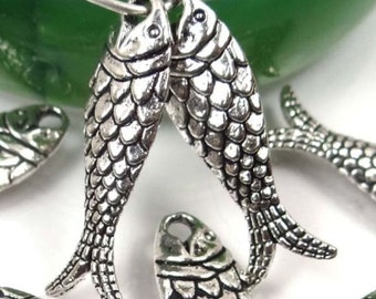 10 Silver Pewter Fish Bead Charms 24x7mm - Lead-Free  (p198)