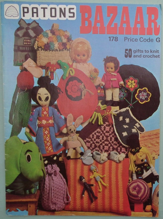 Vintage 1970s Knitting Patterns Book - Patons Bazaar Booklet - 70s Crochet Patterns - Small Gifts Toys Dolls Bags Cushion Covers Tea Cosies