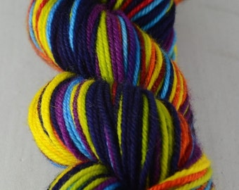 Om - Hand-dyed self striping worsted yarn