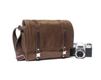 Medium camera messenger bag - brown