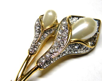 Gorgeous Calla Lily Rhinestone Faux Pearl Pin Vintage Brooch Figural