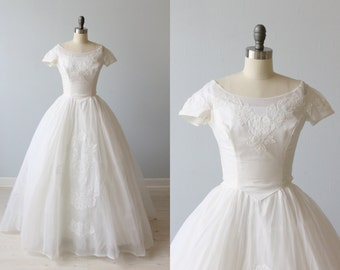 1950s Wedding Dress / 1950s Lace and Organza Wedding Gown / Short Sleeves / Ethereal
