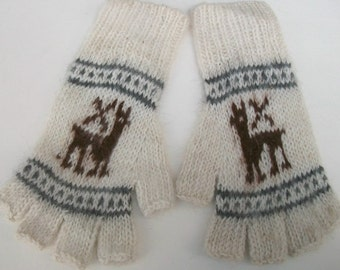 Alpaca  fingerless gloves. Gloves with a picture of baby alpaca.  White alpaca gloves.Texting gloves. Fingerless gloves