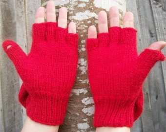 Alpaca glittens. Convertible mittens. Red glittens. Red mittens. See pictures.