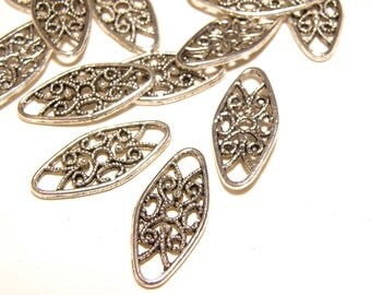 12 Filigree Oval Pewter Connector Links