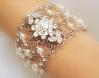 Bridal bracelet, Pearl Wedding bracelet, Bridal jewelry, Swarovski crystal bracelet, Vintage style bracelet, Rhinestone bracelet, Antique