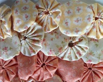 Fabric Yoyo pastel peach and yellow Fabrics, 25 pieces, Suffolk Yo flower  Scrapbook Embellishment   GARLAND decoration