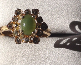 Genuine JADE Cluster Ring In 18kt Yellow Gold HGE  Vintage Size 8 1/2