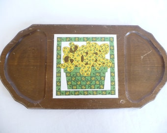 Vintage Cheese Board, Mushroom Design, Ceramic Tile, Wooden Board, Wooden Tray, Vintage Housewares, Green Yellow, Serving Tray, Unique Tray