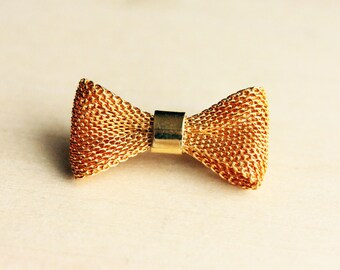 Vintage Gold Mesh Bow Pin