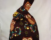 REVERSIBLE - knitting/crochet knot bag -- owls and acorns