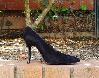 Karl Lagerfeld NOIR suede pointed toe pumps - Made in France - ( Sz 8, Eu 38.5)