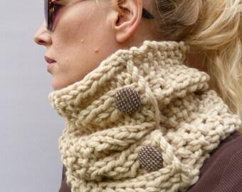 READY TO SHIP Scarf, Womens Chunky Knit  Cowl - Ecru,  Handknitted 100% merino wool
