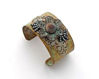 Statement Button Cuff Vintage Brass Filigree Flower Button Swarovski Crystal Chatons Antique Bronze Patina Blue Victorian Southwestern