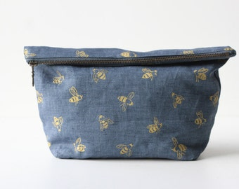 Traveler Pouch - Blue Honeybees