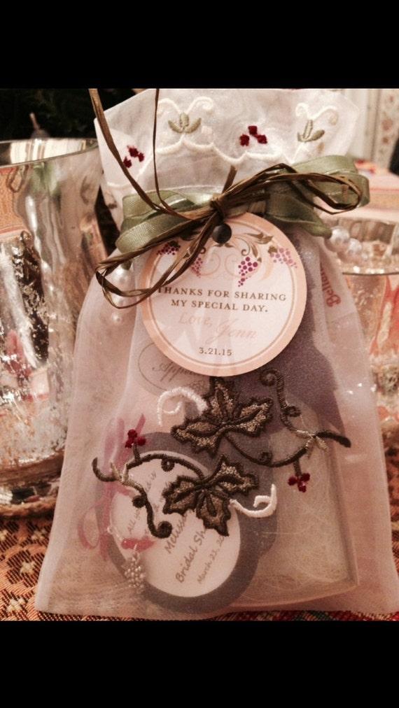 Wedding Gift Wine Tags : ... Wedding Favor TagsVineyard Wine DecorWedding Thank you tags (50