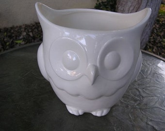 Glazed Stoutly Wise Owl Candy Dish/Vase/Planter