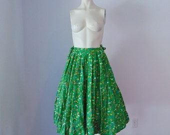 50s cotton full skirt Green FARM PRINT  size medium