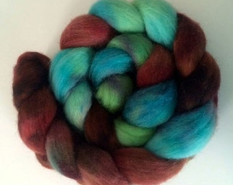 """Hand-dyed Corriedale Cross 3.6 oz. """"Coral Reef"""" spinning fiber roving"""