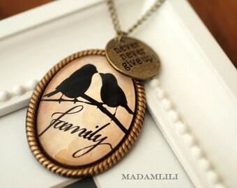 Family Nostalgic Necklace