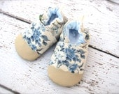 Classic Oxford Vegan Porcelain Blue Flowers / Non-Slip Soft Sole Baby Shoes / Made to Order / Babies Toddlers