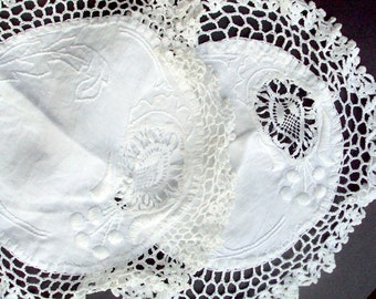 Vintage Doilies,, Crochet, Needlework, Embroidery, 1920s, White, Lace, Filet crochet, Cotton, Table Decor, Pulled String, Home, Furniture