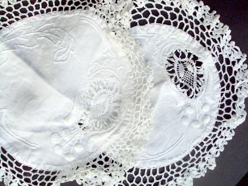 Vintage Doilies Crochet Needlework Embroidery 1920s White Lace Filet Crochet Cotton