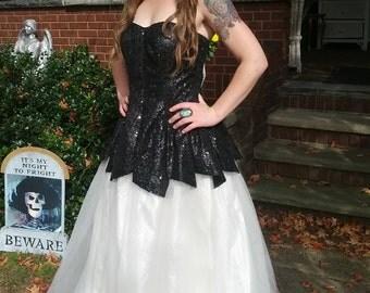Vintage 70s Hollywood Starlet Black Sequin White Tulle Full Skirt Strapless FairyTale Evening Ballgown Prom Dress Size Medium