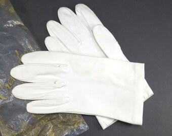 White Dancing Gloves Vintage 1950s Crescendoe Wonder Fabric Gloves - FREE Domestic Shipping