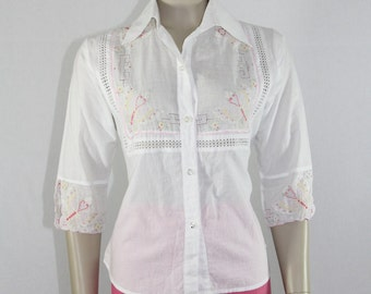 1960s Vintage Top - White Cotton Embroidered with Butterflies Butterfly Blouse
