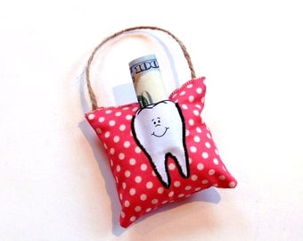 Tooth fairy pillow, tooth pouch, dental, gift for child, hanging pillow pouch, berry polka dots, cotton pillow, whimsical